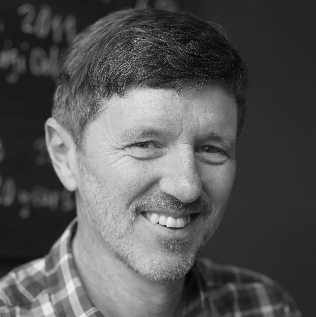 Reinhard Semlitsch - Entwickler, Finanzen
